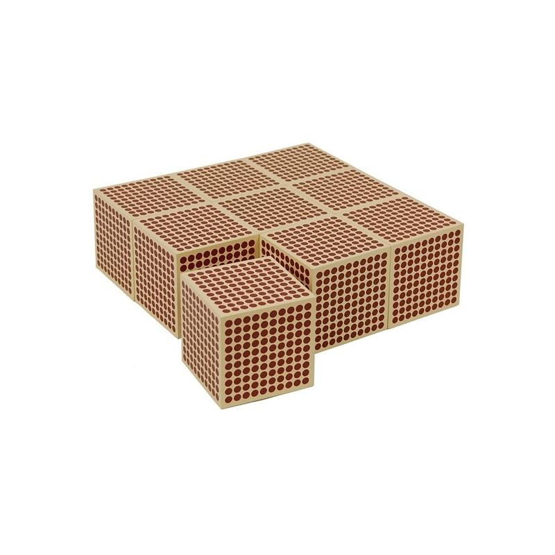 9 cubes en bois de 1000