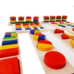 8 plateaux des formes géométriques.