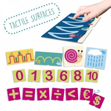 Fiches tactiles sur les numéros et pré-écriture.