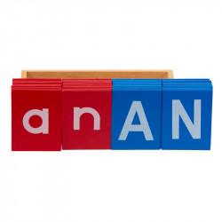 Cartes des lettres rouges et bleues