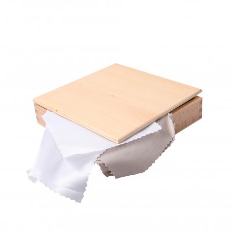 Boîte de tissus blancs